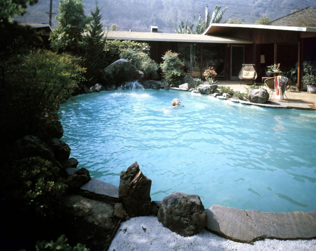 Swimming pools: LIFE, Joe Scherschel, 1960.