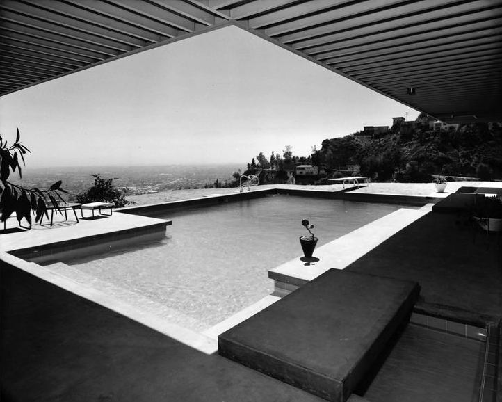 Swimming pools: Case Study House Nº22.